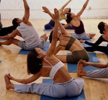 Yoga-fitness-class