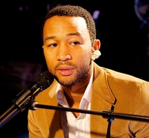 John-legend-singing